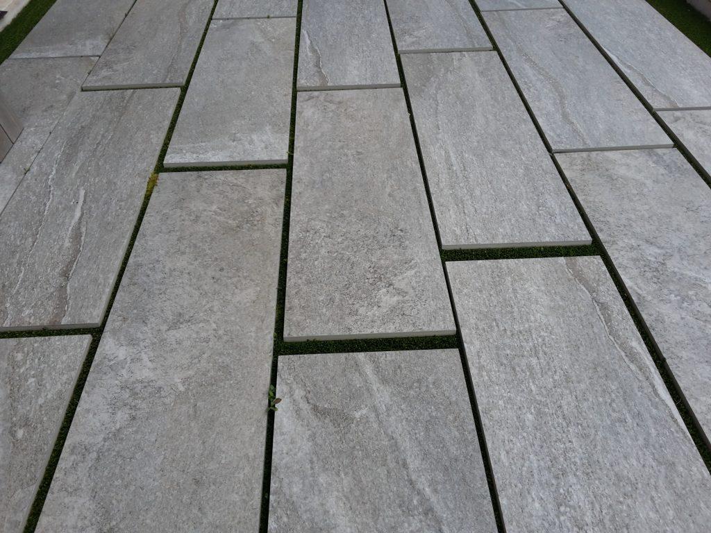 Gres porcellanato spessorato (2 cm) per esterni  – 120×40